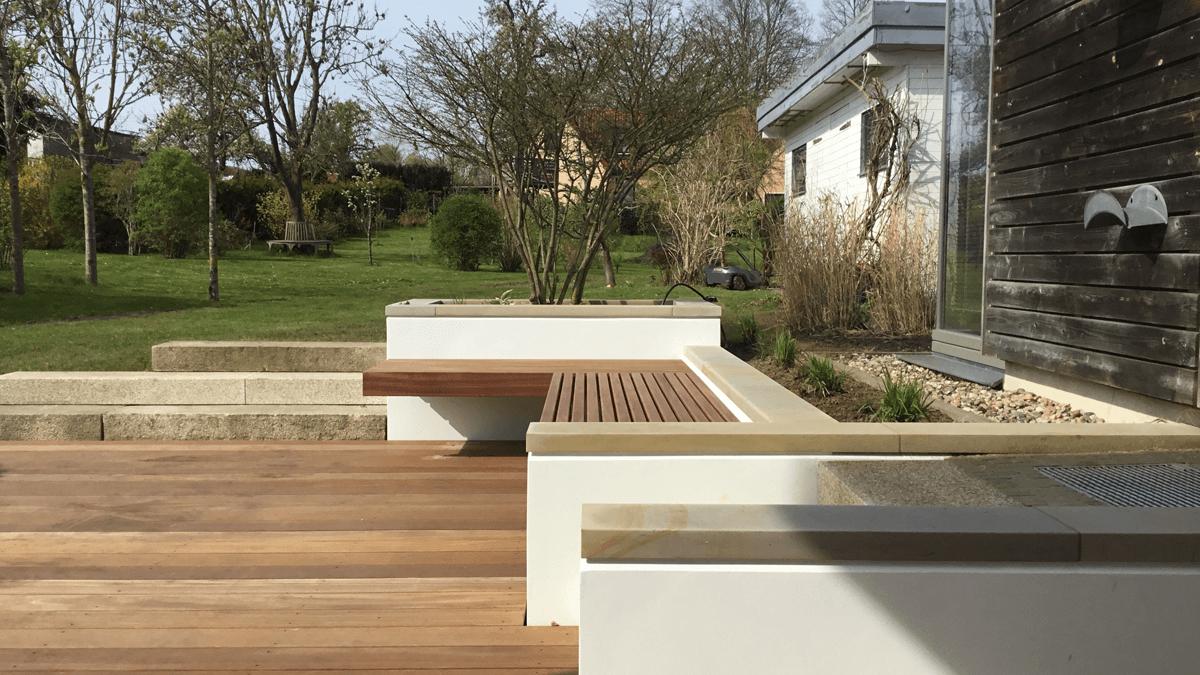 Mauern-auf-Terrasse